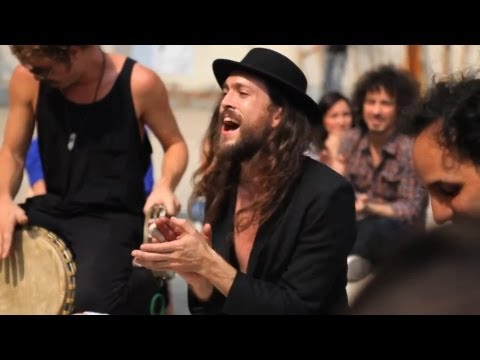 Edward Sharpe & The Magnetic Zeros - Up From Below (live @ Parque Mexico, Mexico City) March, 2011