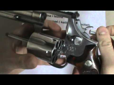 Revolver Smith & Wesson 686 na srpskom opis