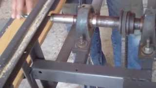 "Sierra de banco hecha en casa, Homemade - How to build a ""table saw""!"