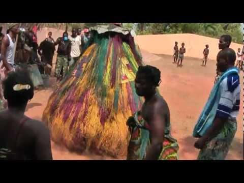 Travel memories... Togo, zangbeto and dancers (4)