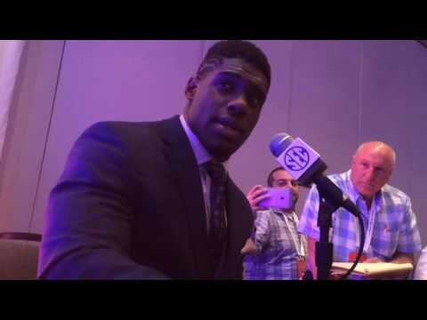 Auburn DE Carl Lawson on rebounding from a disappointing 2015