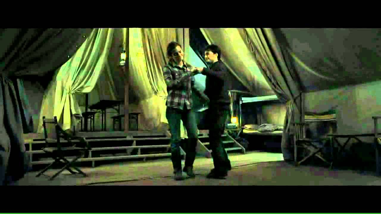 Harry hermione in love hd kissing scene youtube - Hermione granger and harry potter kiss ...