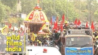 Devotees pulling the chariot during Jagannath Rath Yatra - Delhi