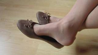 brown sabrinas and hose, shoeplay