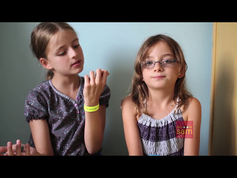 Sophia & Bella - EXTREME SOUR WARHEADS CHALLENGE
