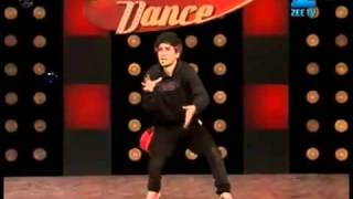 Download Crocroach Raghav   Dance India Dance  3 Mega Audition   YouTube 3Gp Mp4