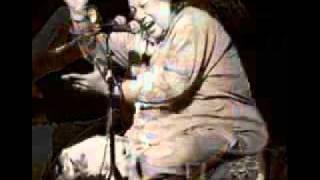 Watch Nusrat Fateh Ali Khan Shahbaaz Qalandar video