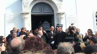 Greeks bury national singer Demis Roussos in Athens