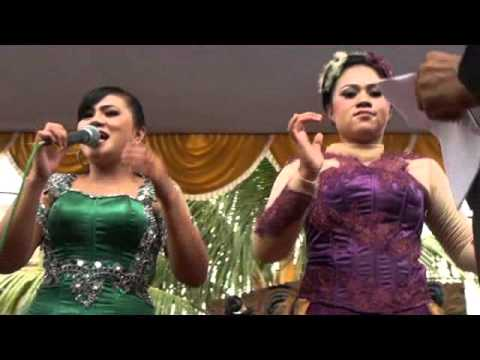 Gurat Bumi naek Talak Tilu - Nhia feat Rossi