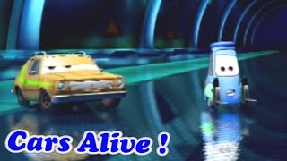Cars 2 game play - 2 Player Split Screen 04