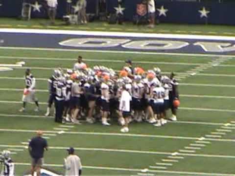 Dallas Cowboys Stadium Practice Cheerleaders Tony Romo  2010