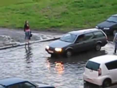 Epic Win on a flooded Russian road