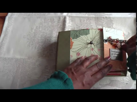 Scrapbook: Vintage Fabric Mini Album