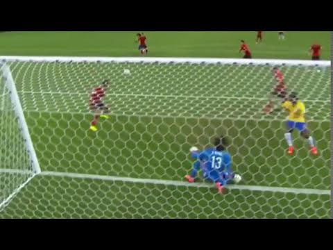 Espectaculares Atajadas de Memo Ochoa MUNDIAL FIFA 2014