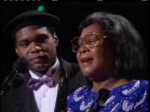 Howlin&#39; Wolf&#39;s wife and daughter accept his award 1991