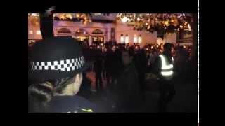 گزارش تصویری از برخورد هواداران صدای موج سبز با هواداران رژیم در لندن ٢٠١٤/١١/٣