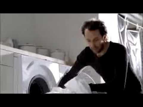 Washing dog (Miele)