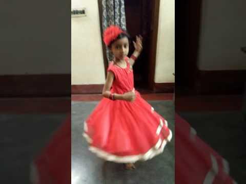 Moina chalak chalak