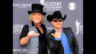 Watch Big & Rich Never Far Away video