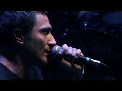 Supervielle - Baldosas Mojadas  - En Vivo - (HQ)