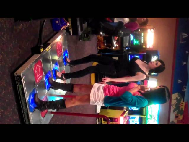 SV playing DDR with Sam!