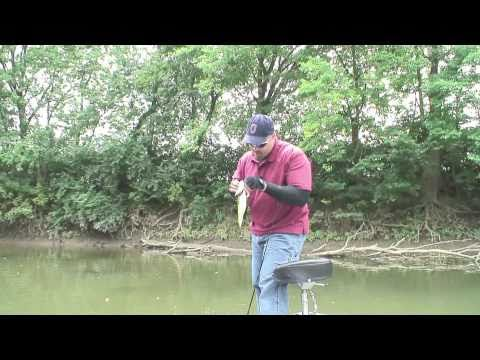 Largemouth, spotted bass and Smallmouth Bass all in one show. Leave it up to Joe to get it done. Fishn' with Joe you have gotta luv it!