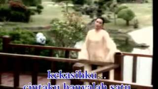 Download Lagu Bunga Mawar - Titiek Sandhora - Karaoke Gratis