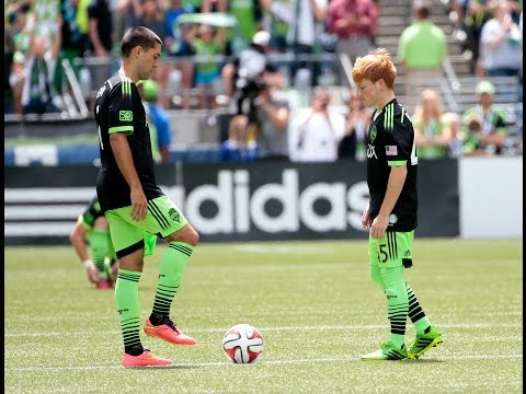 Xander Bailey Takes to the Field for Seattle Sounders FC klip izle