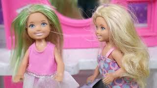 Rodzinka Barbie- Fryzurowe Szale?stwo.Bajka dla dzieci po polsku. Odc. 109