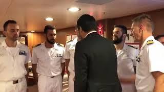 Matteo Salvini in Qatar, sale a bordo della fregata Federico Martinengo