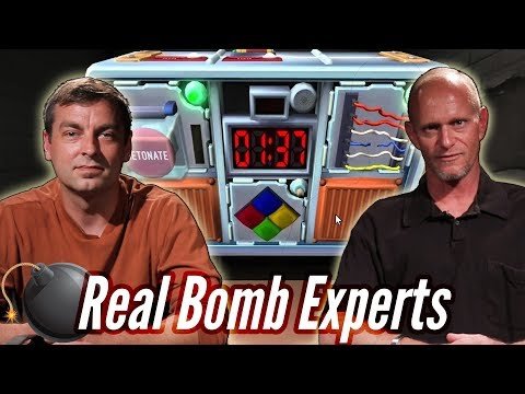 Real Bomb Squad Defuses A Bomb In Keep Talking And Nobody Explodes • Professionals Play
