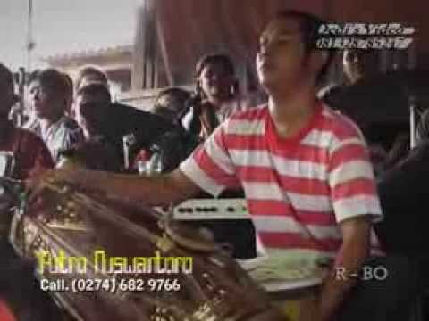 Jathilan Dangdut Putro Nuswantoro Babak 2 Traditional Javanisme Art Dance video