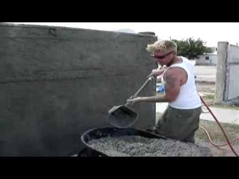 Stucco Sprayer   Spraying Papercrete fence