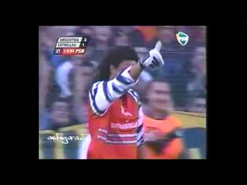 Higuita le hace el escorpion a Maradona