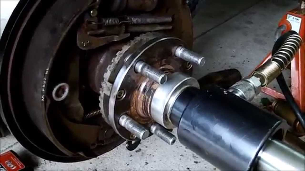 Symptoms Of A Bad Wheel Bearing On Car Subaru And