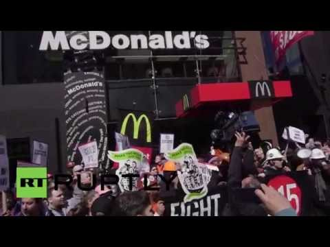 USA: McDonald's shutdown as construction workers join fight for living wage