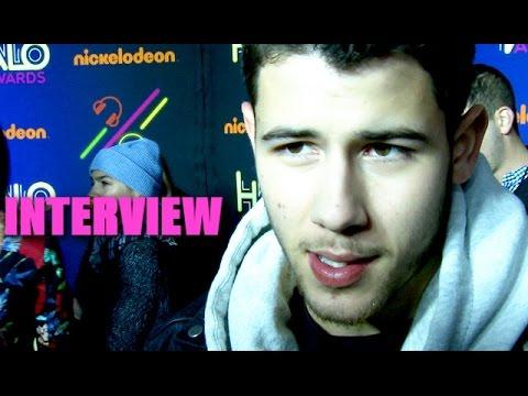 Nick Jonas Gets Photobomed By Fifth Harmony