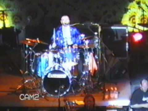 Thumbnail of video Ringo Starr performs - Love Me Do