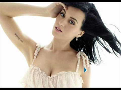 Katy Perry- E.t. With Lyrics video