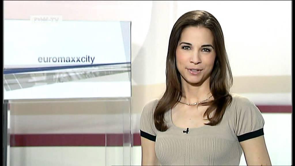 Kristina Minikleidchen Sterz euromaxx 15-08-2011 - YouTube