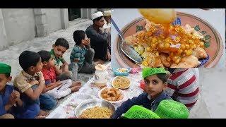 Samosa Recipe With Chutney and Chole | Ramadan Recipe | Mubashir Saddique | Village Food Secrets