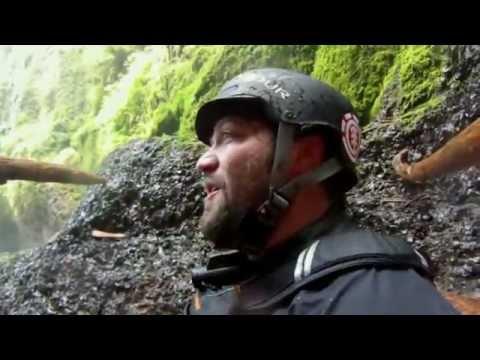 image vidéo Bam margera chute de 30 metres en kayak