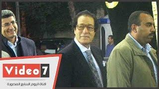 بالفيديو.. ساويرس وفاروق حسنى وأنس الفقى يشاركون فى عزاء «كامل دياب»