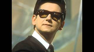 Watch Roy Orbison Beautiful Dreamer video
