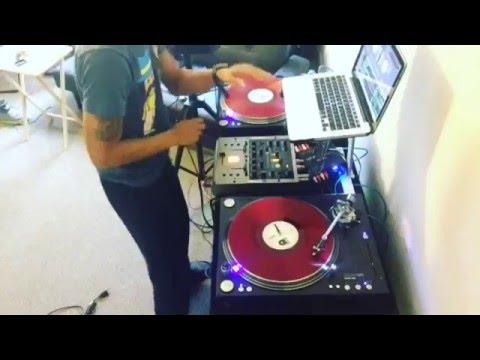 Stanton ST-150/STR8 150 Test - DJ Smoove K Quick Scratching Session ( Serato )
