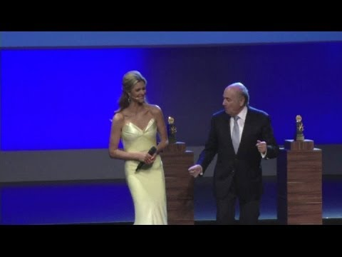 Blatter dances at FIFA congress despite corruption allegations