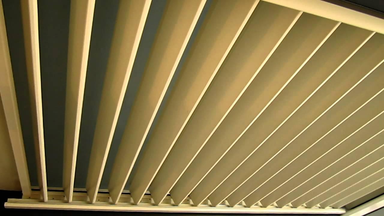 solisysteme auvent pergola brise soleil orientable mvi 5530 mov youtube. Black Bedroom Furniture Sets. Home Design Ideas