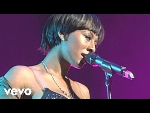 Keri Hilson - Slow Dance (Live)