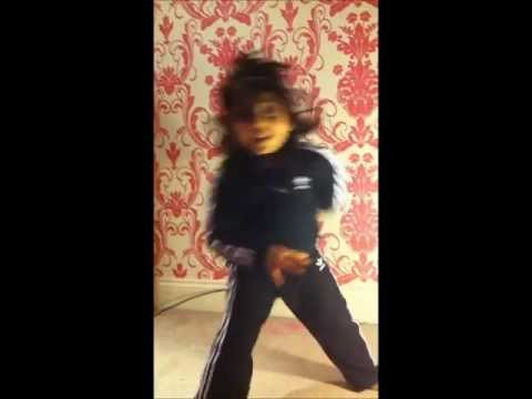 Girl dancing to shide boss Ni Soniye.wmv