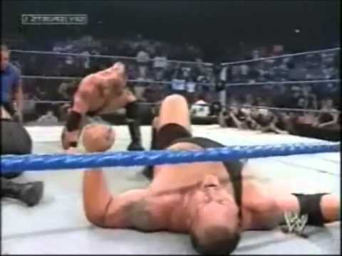 Wwe  Brock Lesnar Vs Big Show Vs Undertaker Smack Down ! 2003 video